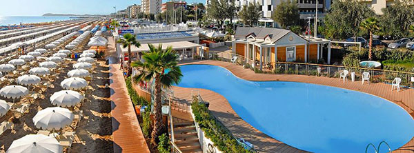 hotel riccione con piscina
