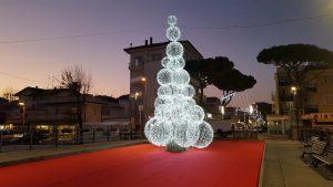 albero di natale sul porto di Riccione